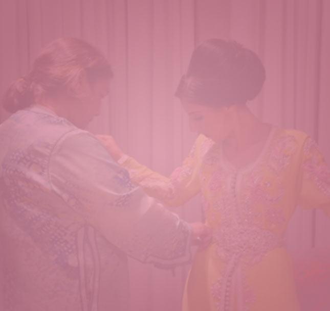 Neggafa (habilleuse pour la mariée)